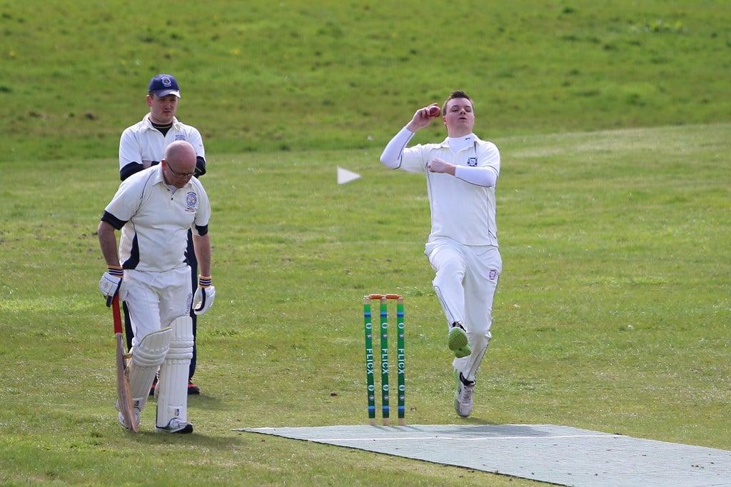 bowler running in